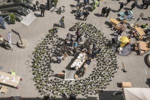 grazerUMWELTzirkus, breathe.earth.collective,als künstlerische Bespieglung eine Crowd-foresting,
